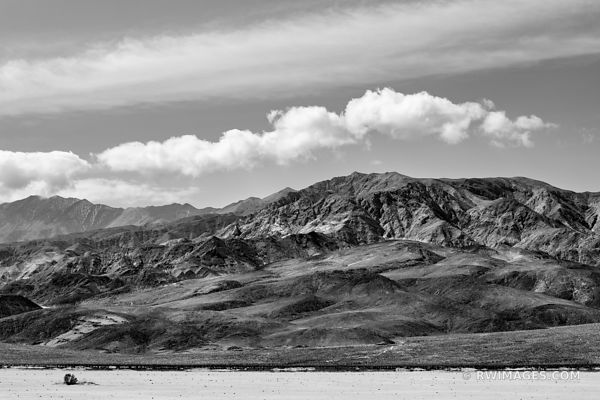 PANAMINT RANGE MOUNTAINS DEATH VALLEY CALIFORNIA AMERICAN SOUTHWEST DESERT BLACK AND WHITE LANDSCAPE