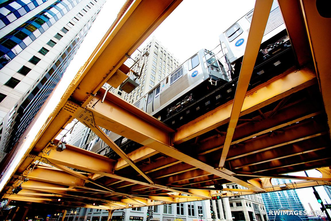 EL TRAIN ELEVATED TRAIN TRACKS CHICAGO ILLINOIS