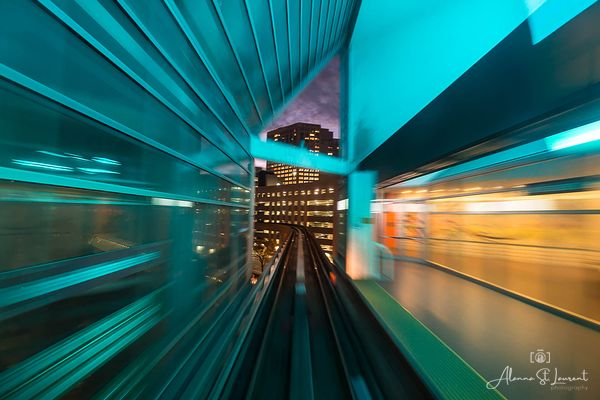 People_Mover_Green_Tunnel