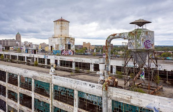 Fisher_Body_Plant_Roof_Water_Towers