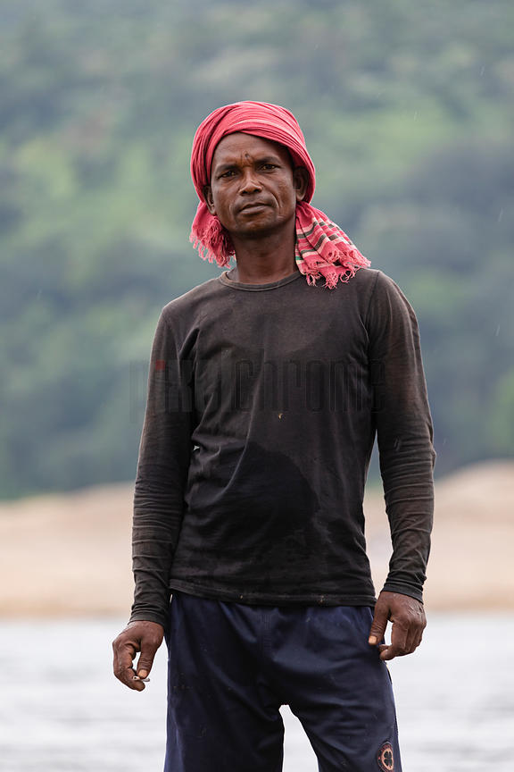 Portrait of a Worker Gathering Sand and Stones on the Piyan River