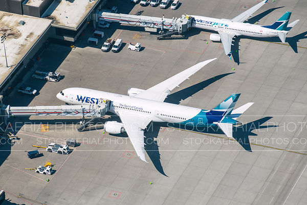 Westjet 787 at a Gate