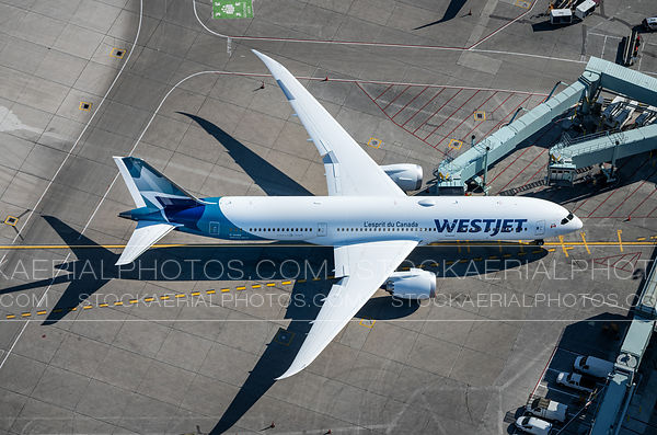 Westjet 787 Dreamliner at Pearson International Airport