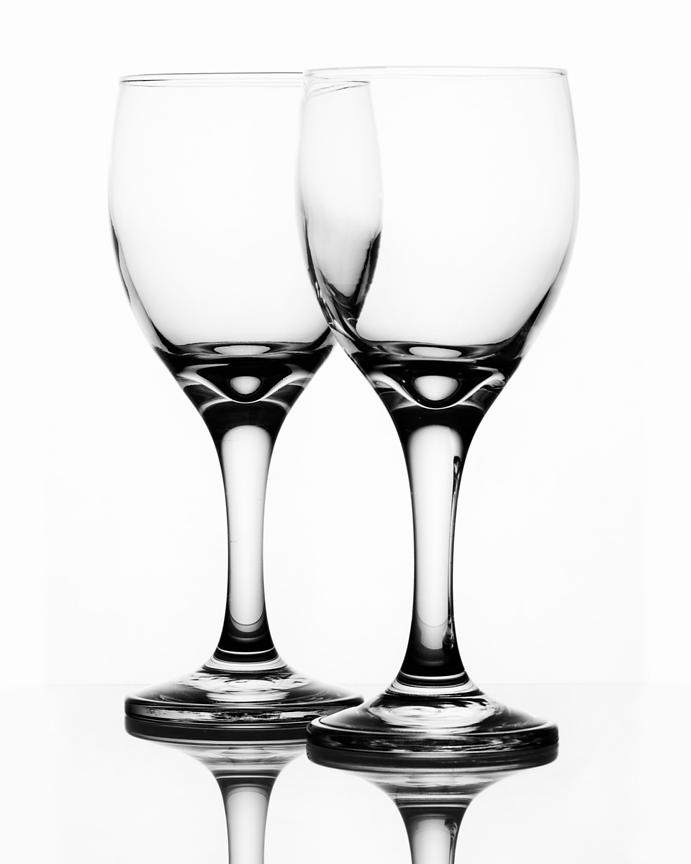 Montreal Still life photographer, commercial photographer, wine glasses