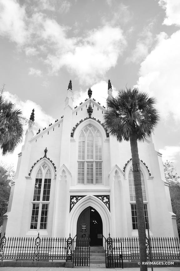 FRENCH HUGUENOT CHURCH CHARLESTON SOUTH CAROLINA BLACK AND WHITE VERTICAL