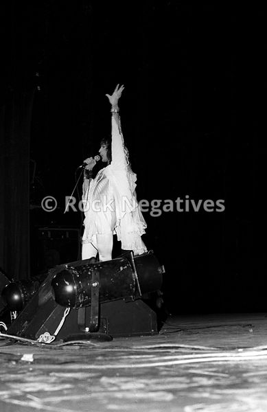 JH_QUEEN_19740507_NYC_URISTHEATRE_35mm_Negatives-Mott_the_Hoople_and_Queen-028