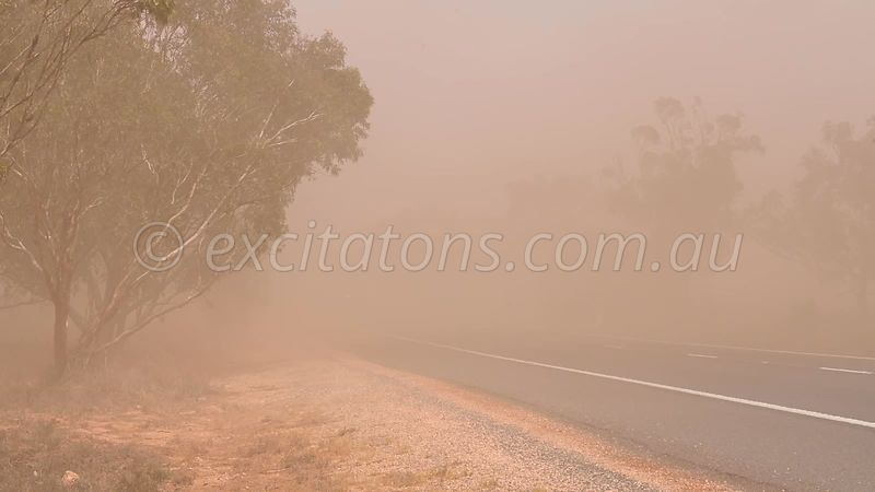Sturt Highway, localised dust.