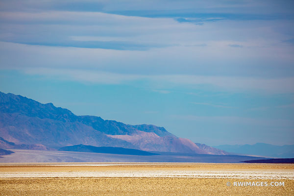 BADWATER BASIN DEATH VALLEY CALIFORNIA AMERICAN SOUTHWEST LANDSCAPE