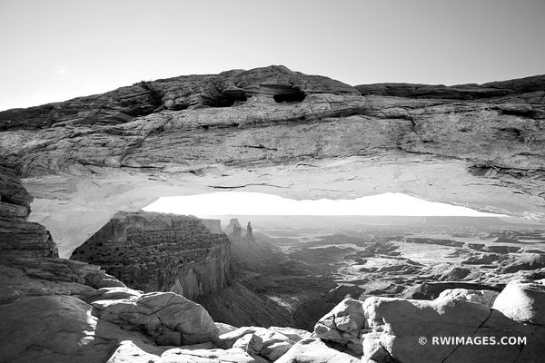 MESA ARCH SUNRISE CANYONLANDS NATIONAL PARK UTAH BLACK AND WHITE AMERICAN DESERT SOUTHWEST LANDCSAPE