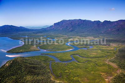 Hinchinbrook_Is_48773