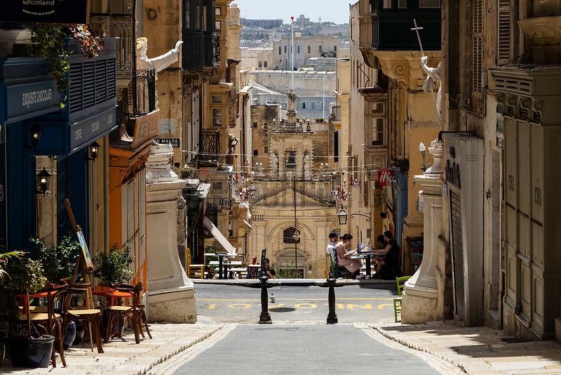 Street Scene in Old Valletta