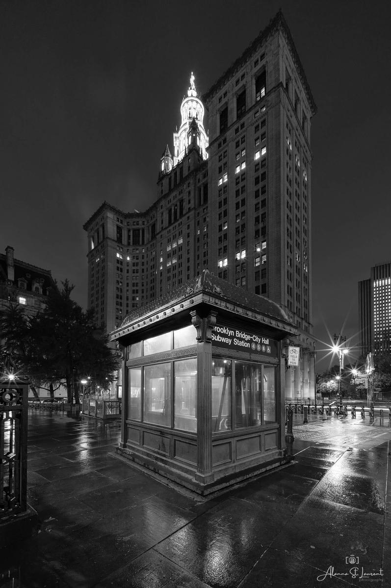 NYC_City_Hall_Subway_Station_Building_Night