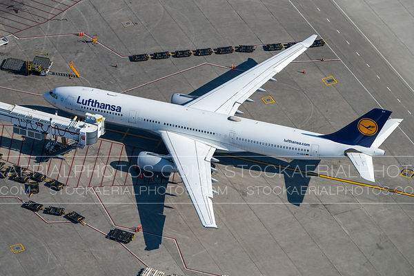 Lufthansa A330 at Pearson International Airport
