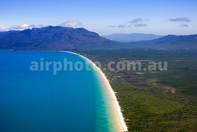 Hinchinbrook_Is_48935