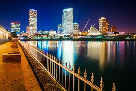 Milwaukee Bay Skyline at Night Picture