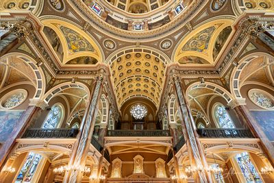 Milwaukee_Basilica_of_St_Josaphat_Looking_Up_Back