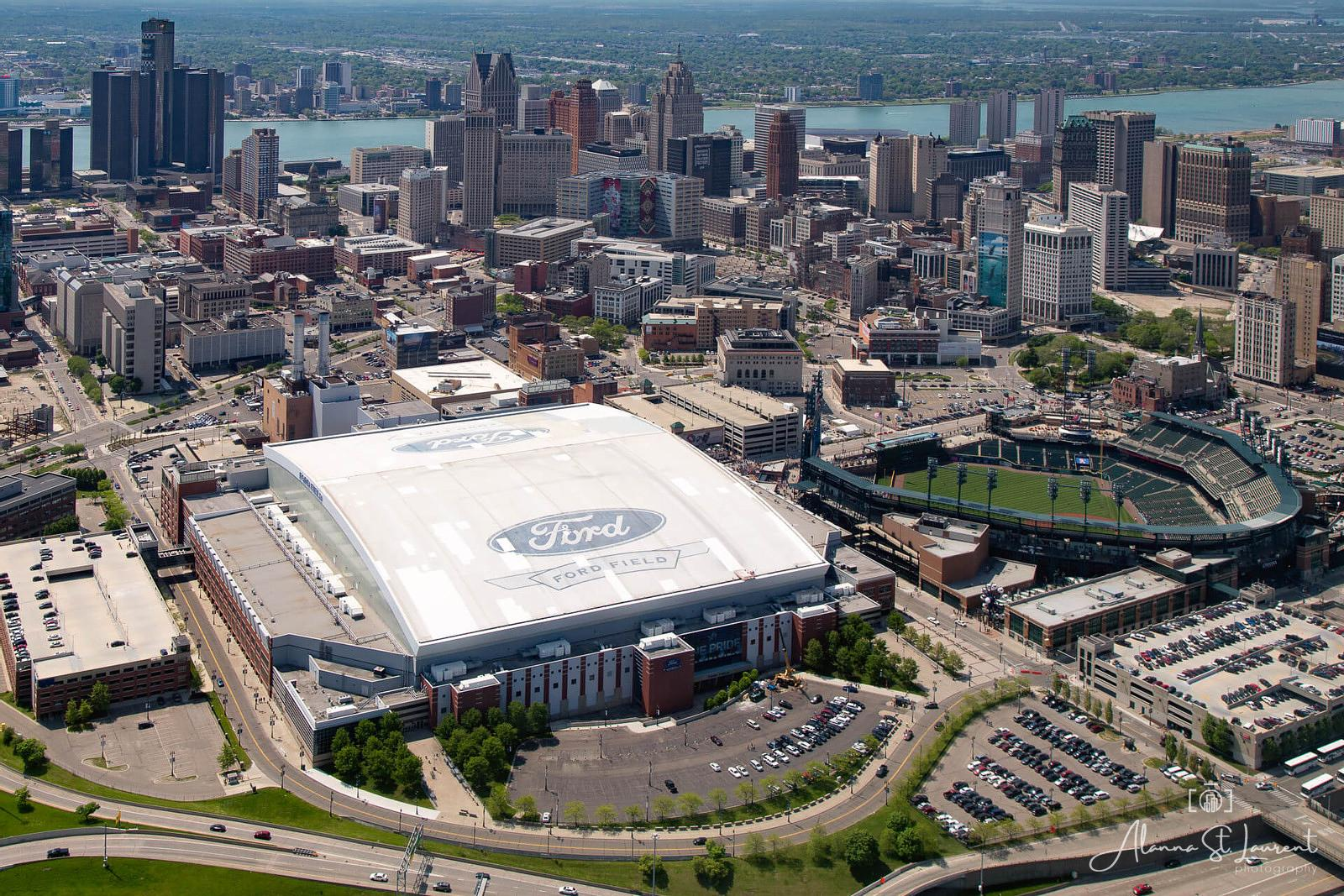 Detroit_Skyline_Aerial_Stadiums