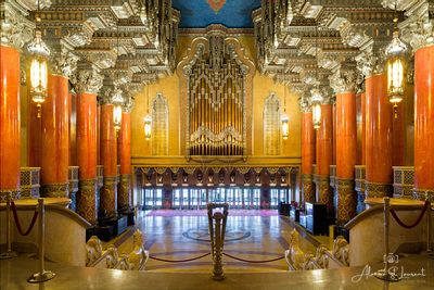 Fox_Theatre_Lobby_Front_Door