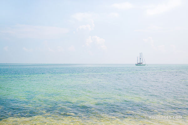 BLUE GREEN OCEAN UPPER MATECUMBE KEY ISLAMORADA FLORIDA KEYS