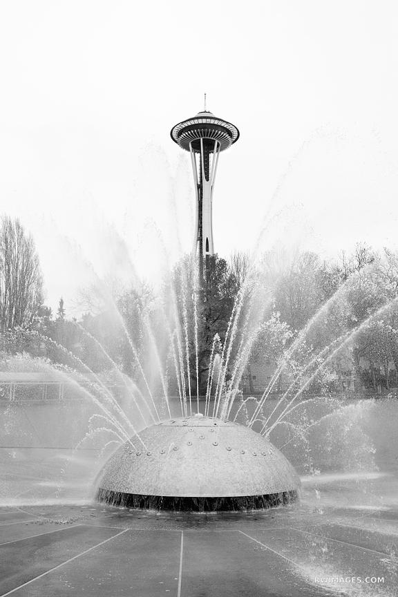 SEATTLE INTERNATIONAL FOUNTAIN SPACE NEEDLE BLACK AND WITE VERTICAL