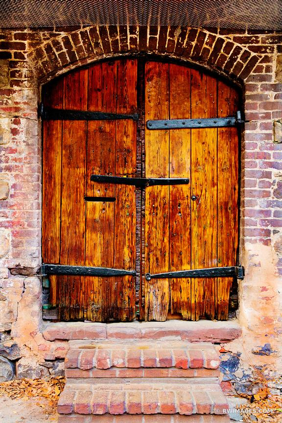 OLD DOOR SAVANNAH HISTORIC DISTRICT NEAR RIVER STREET SAVANNAH GEORGIA