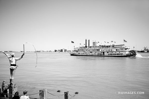 NATCHEZ STEAMBOAT MISSISSIPPI RIVER NEW ORLEANS BLACK AND WHITE