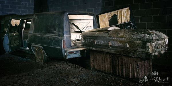 Funeral_Home_Hearse_Casket_Lit_Up