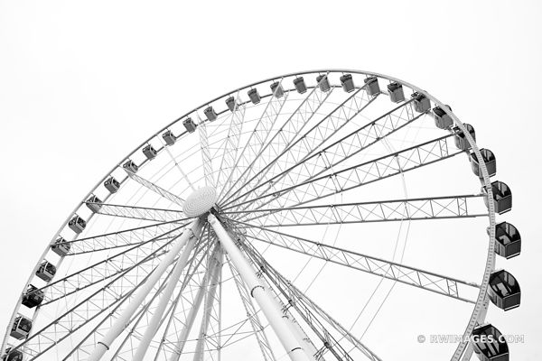 SEATTLE GREAT WHEEL SEATTLE WATERFRONT FERRIS WHEEL BLACK AND WHITE