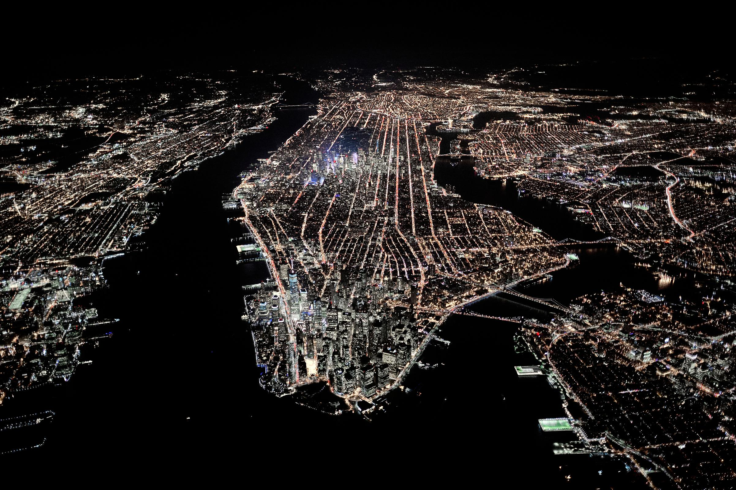 Aerial photograph of Manhattan at night