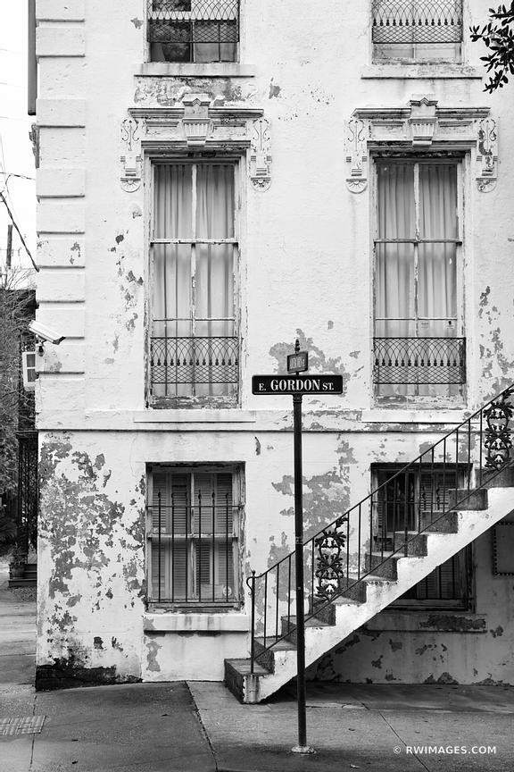 HISTORIC SAVANNAH ARCHITECTURE GORDON STREET SAVANNAH GEORGIA BLACK AND WHITE
