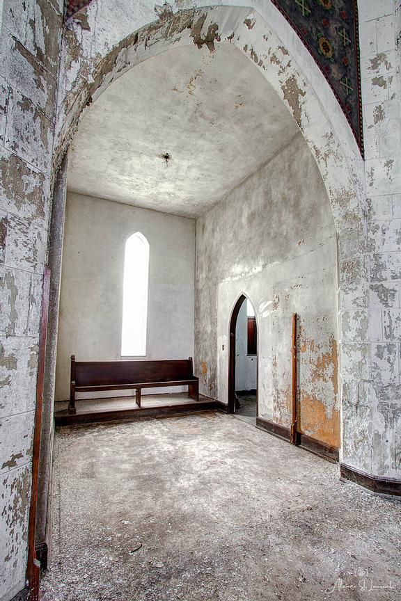 Woods_Cathedral_Church_Cubby