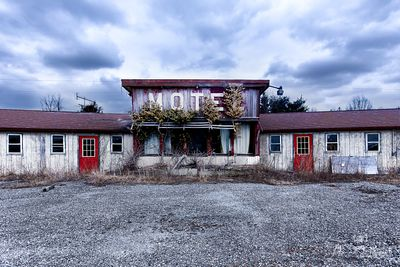 No_Tell_Motel