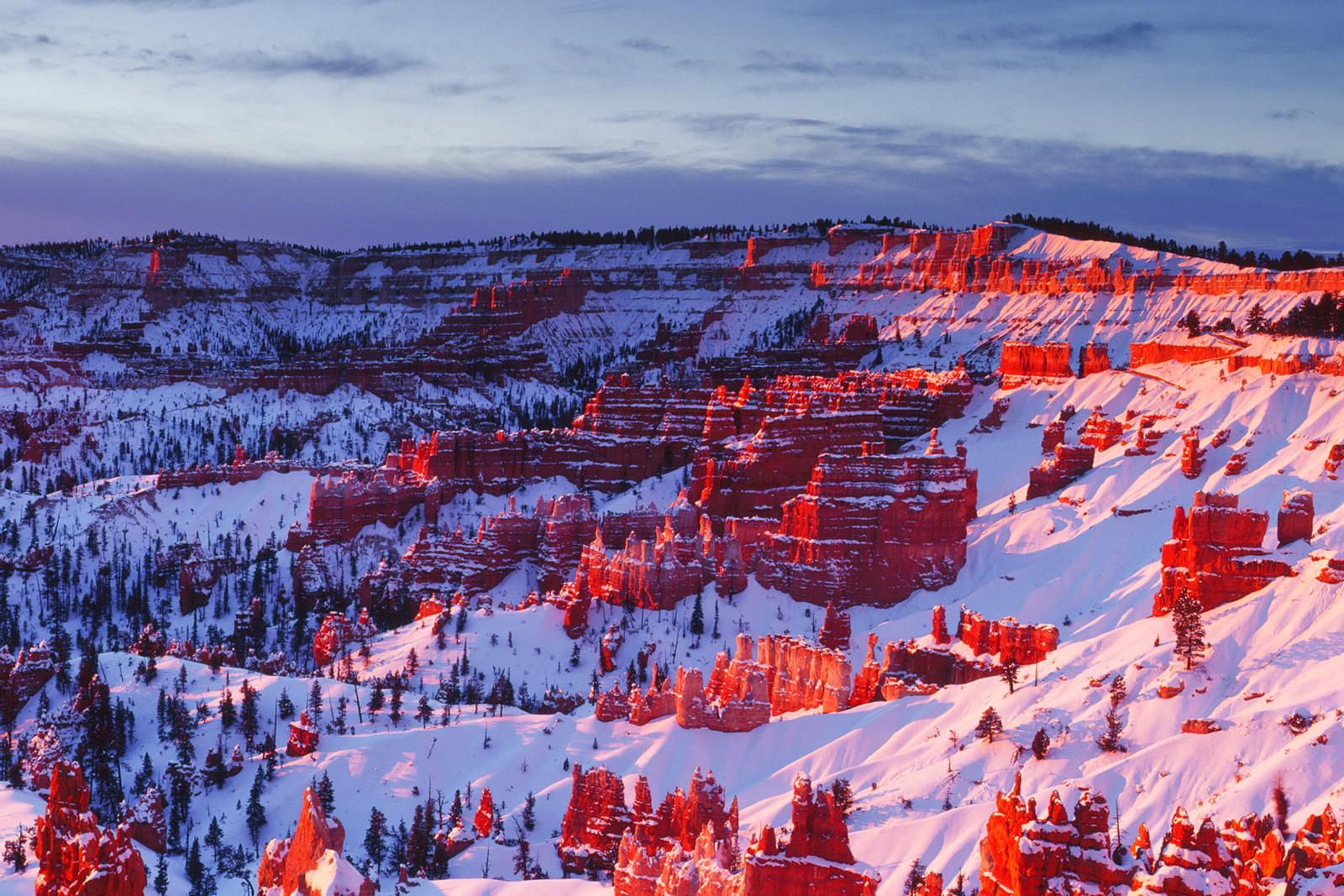 WINTER SUNRISE AT BRYCE CANYON NP