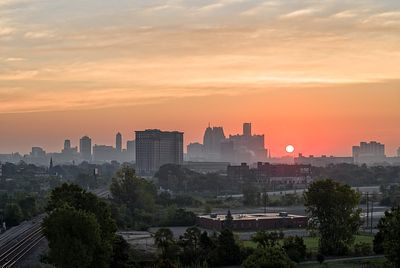 sunrise-skyline-SW-Detroit-IMG_5544_5_6_7_8