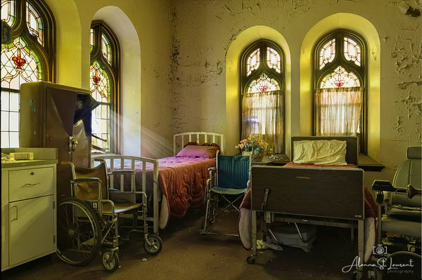 St_Louis_Church_Recovery_Room