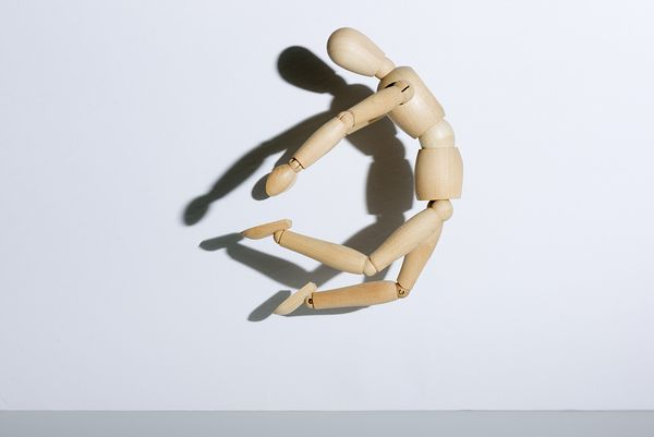 Montreal product photographer, still-life wood mannequin dancer