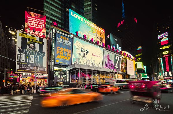 NYC_Times_Square_Disney_Store