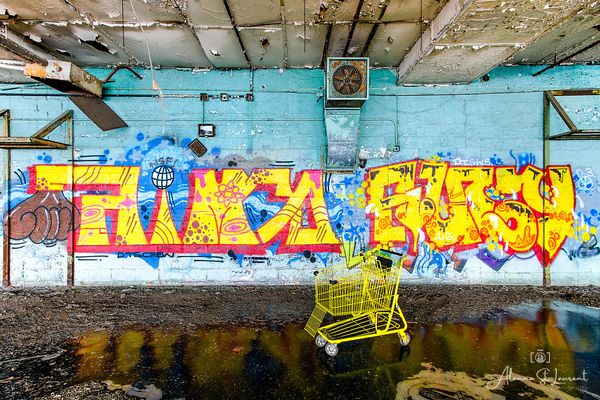 Fisher_Body_Plant_Yellow_Cart_Graffiti