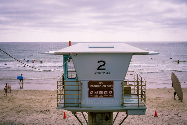 Lifeguard station on beach at Torrey Pines State Preserve, California, USA.