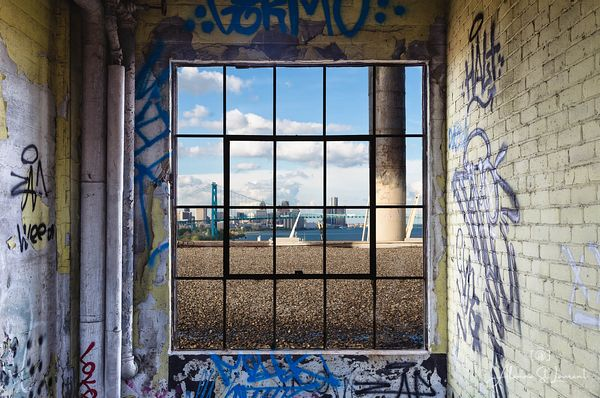 Detroit_Skyline_Through_Window_Marine_Terminal