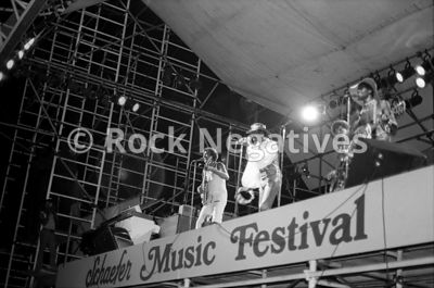 JH_ChambersBros_19710821_SchaefferFest_35mm_Negatives-Chambers_Bros-011