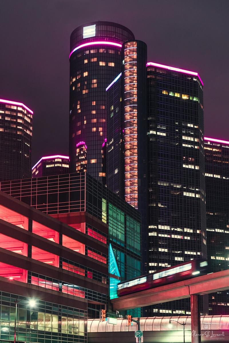 Ren_Cen_People_Mover_Dazzling_Color
