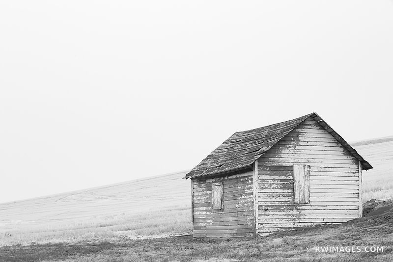 OLD BARN IN THE FILED FARM PALOUSE EASTERN WASHINGTON STATE BLACK AND WHITE