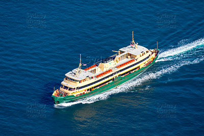 "Sydney Ferry ""Narrabeen"""