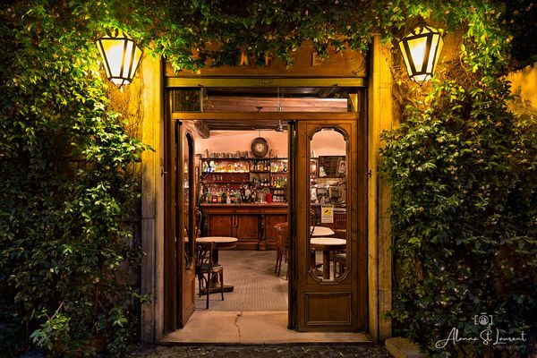 Rome_Cafe_at_Night_
