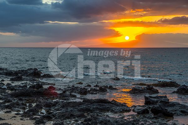 A dramatic vibrant sunset scenery in Maui, Hawaii