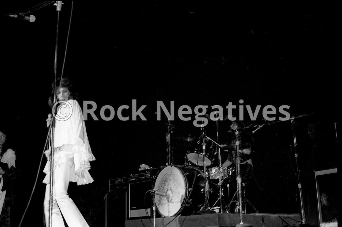 JH_QUEEN_19740507_NYC_URISTHEATRE_35mm_Negatives-Mott_the_Hoople_and_Queen-022