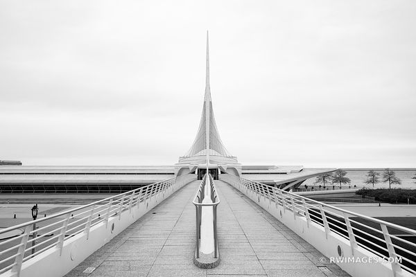 MILWAUKEE ART MODERN ARCHITECTURE MUSEUM MILWAUKEE WISCONSIN BLACK AND WHITE