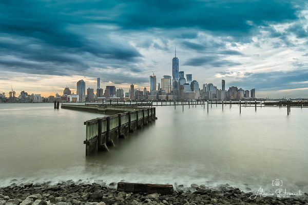 NYC_One_World_Trade_Center_Skyline_Wide