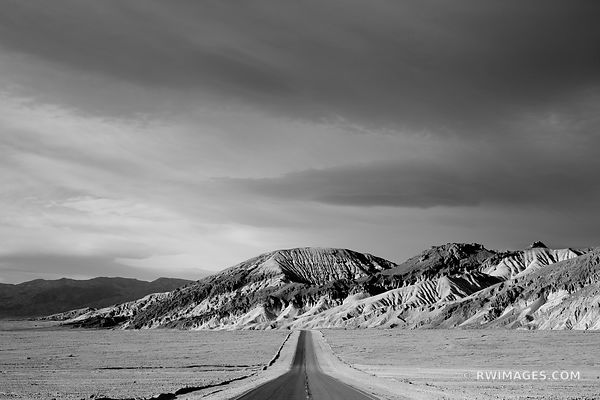 ROAD IN DEATH VALLEY CALIFORNIA BLACK AND WHITE